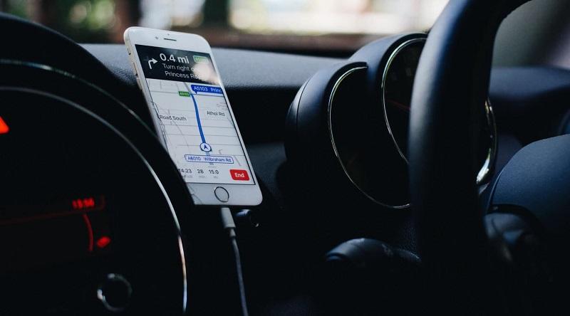 GPS de celular no carro